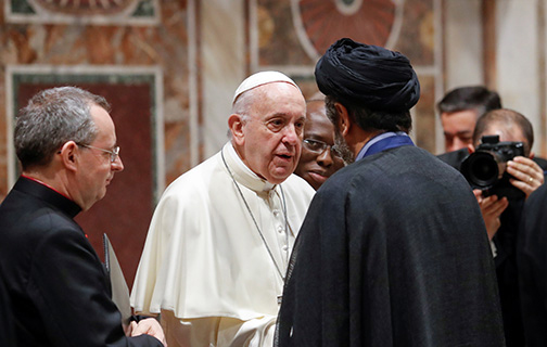 Amid threat of war, world must not give up hope, pope tells diplomats